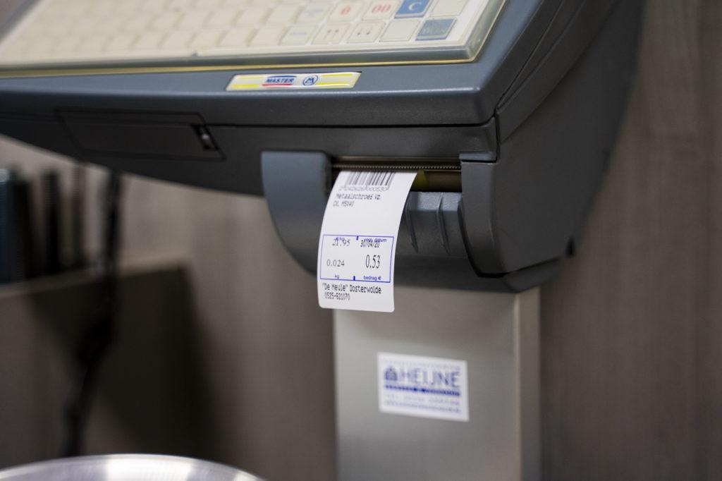 Rechtsonderin vindt u de knop 'bon' om een sticker te printen die bij de kassa kan worden gescand.